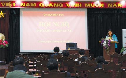 Ủy ban Dân tộc: Phổ biến pháp luật cho công chức viên chức