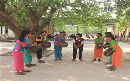 """Trang bị nhạc cụ mã la cho các buôn làng Raglai ở Khánh Hòa: Một cách để """"giữ hồn"""" dân tộc"""