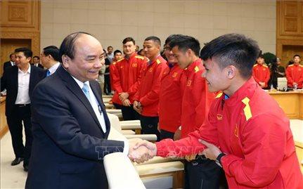 Thủ tướng Nguyễn Xuân Phúc: Bóng đá khơi dậy lòng yêu nước, niềm tự hào dân tộc