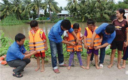 Cần tăng cường dạy kỹ năng sinh tồn dưới nước cho trẻ em
