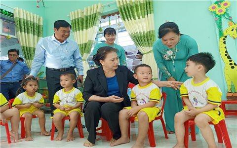 Chủ tịch Quốc hội thăm và làm việc tại Cà Mau