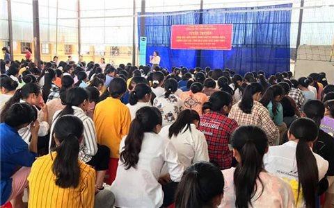 Mường Khương: 330 học sinh nữ được tuyên truyền kiến thức giáo dục sức khỏe sinh sản vị thành niên