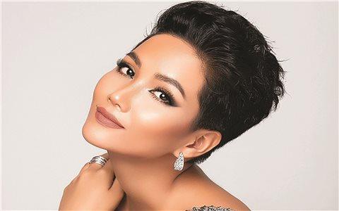 H'Hen Niê lọt vào Top 50 Hoa hậu Hoàn vũ đẹp nhất thập kỷ