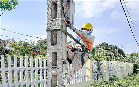 EVNNPC: Nỗ lực đáp ứng nhu cầu về điện cho khách hàng trong mùa nắng nóng