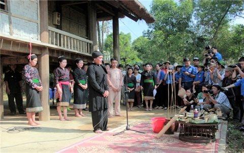 Lễ hội đón tiếng sấm của dân tộc Ơ Đu