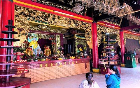 Tín ngưỡng thờ cúng của người Hoa ở Chợ Lớn