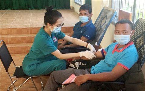 Đồng bào DTTS Lạc Dương tình nguyện hiến 75 đơn vị máu