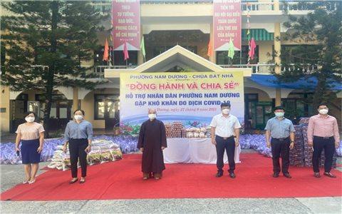 Phật giáo Đà Nẵng trao hàng nghìn suất quà tới bà con khó khăn trong dịch bệnh