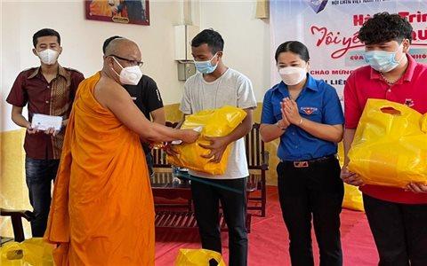 Cần Thơ: Hỗ trợ học sinh, sinh viên dân tộc Khmer gặp khó khăn do dịch bệnh Covid-19