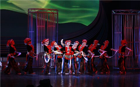 Có một dòng chảy văn hóa trong nghệ thuật múa dân tộc