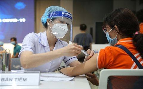 Những điều cần lưu ý khi cho trẻ đi tiêm vaccine phòng COVID-19