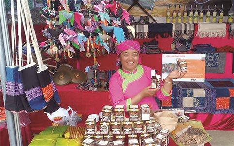 Nữ Giám đốc người Mông và những ý tưởng về thổ cẩm
