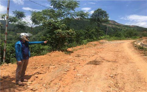 """Bát Xát (Lào Cai): Công trình thi công tiến độ """"rùa bò"""", người dân kêu khổ !"""