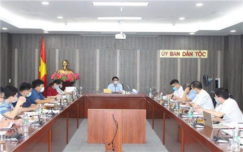Bộ trưởng, Chủ nhiệm Ủy ban Dân tộc Hầu A Lềnh làm việc với Vụ Tuyên truyền