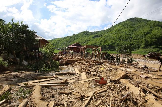 Bản Sa Ná tan hoang sau trận lũ bùn sáng ngày 3/8/2020 (Ảnh tư liệu)