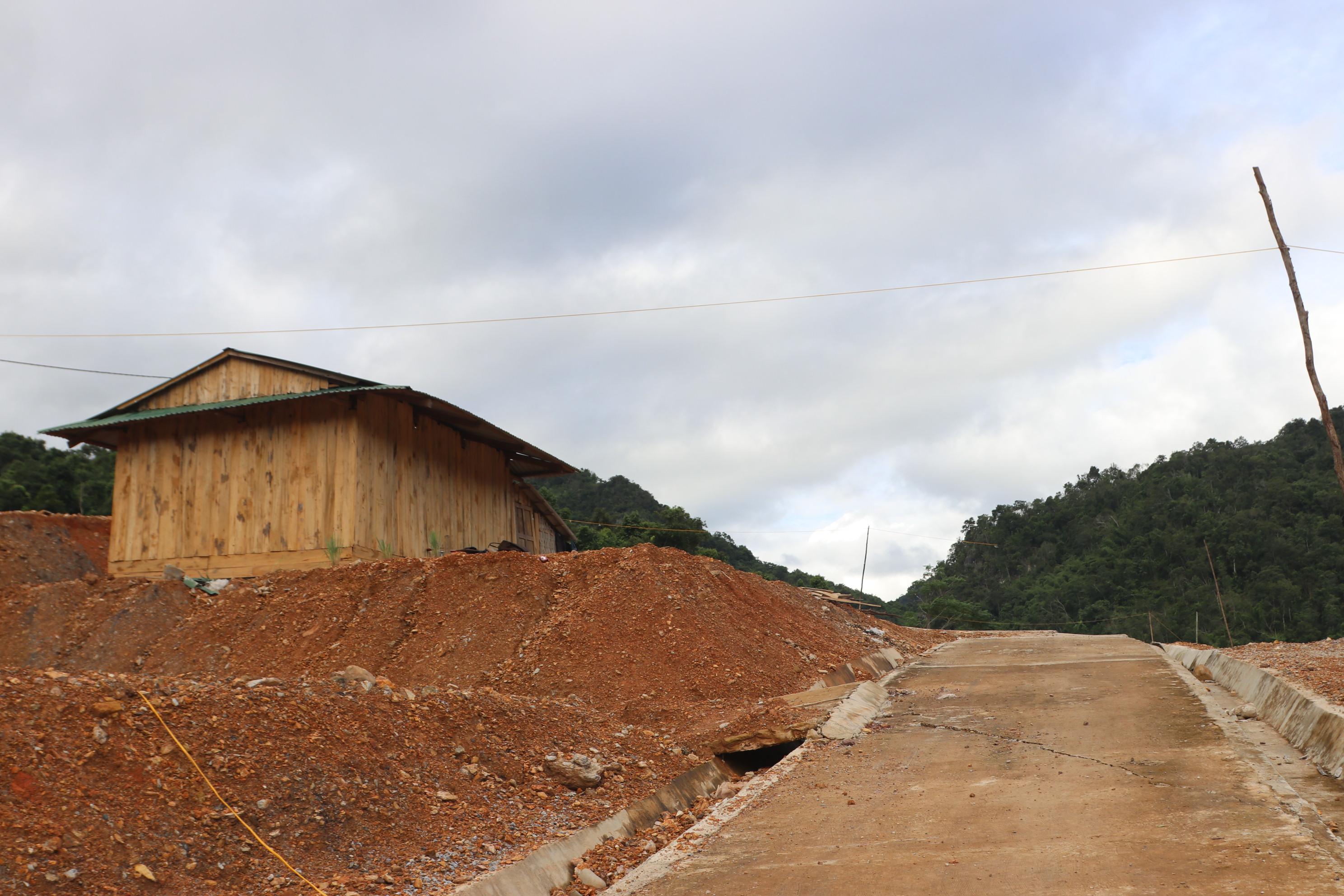Mặt bằng di dời 30 hộ dân nằm trong vùng nguy cơ sạt lở thuộc bản Si Văn, xã Pa Thơm, huyện Điện Biên triển khai đã 3 năm vẫn chưa hoàn thành