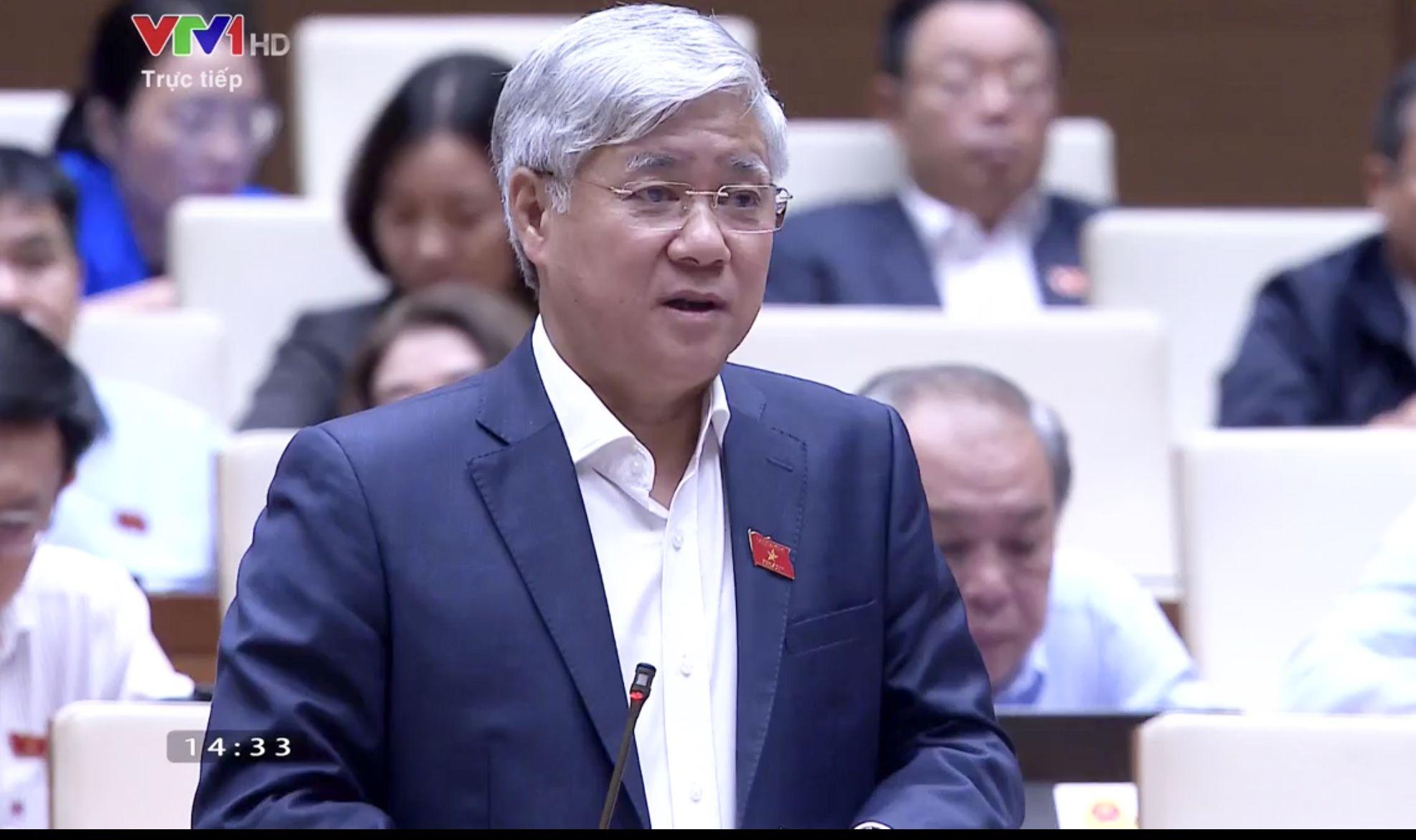 Ủy viên Ban Chấp hành Trung ương Đảng, Bộ trưởng, Chủ nhiệm Ủy ban Dân tộc Đỗ Văn Chiến phát biểu tại kỳ họp thứ 10, Quốc hội khóa XIV. (Chiều ngày 4/11/2020).