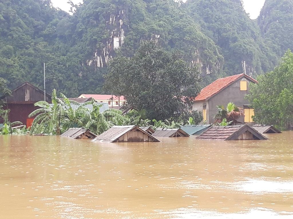 Xã Tân Hóa chìm trong nước trong đợt mưa lũ tháng 10 vừa qua (Ảnh: TL)