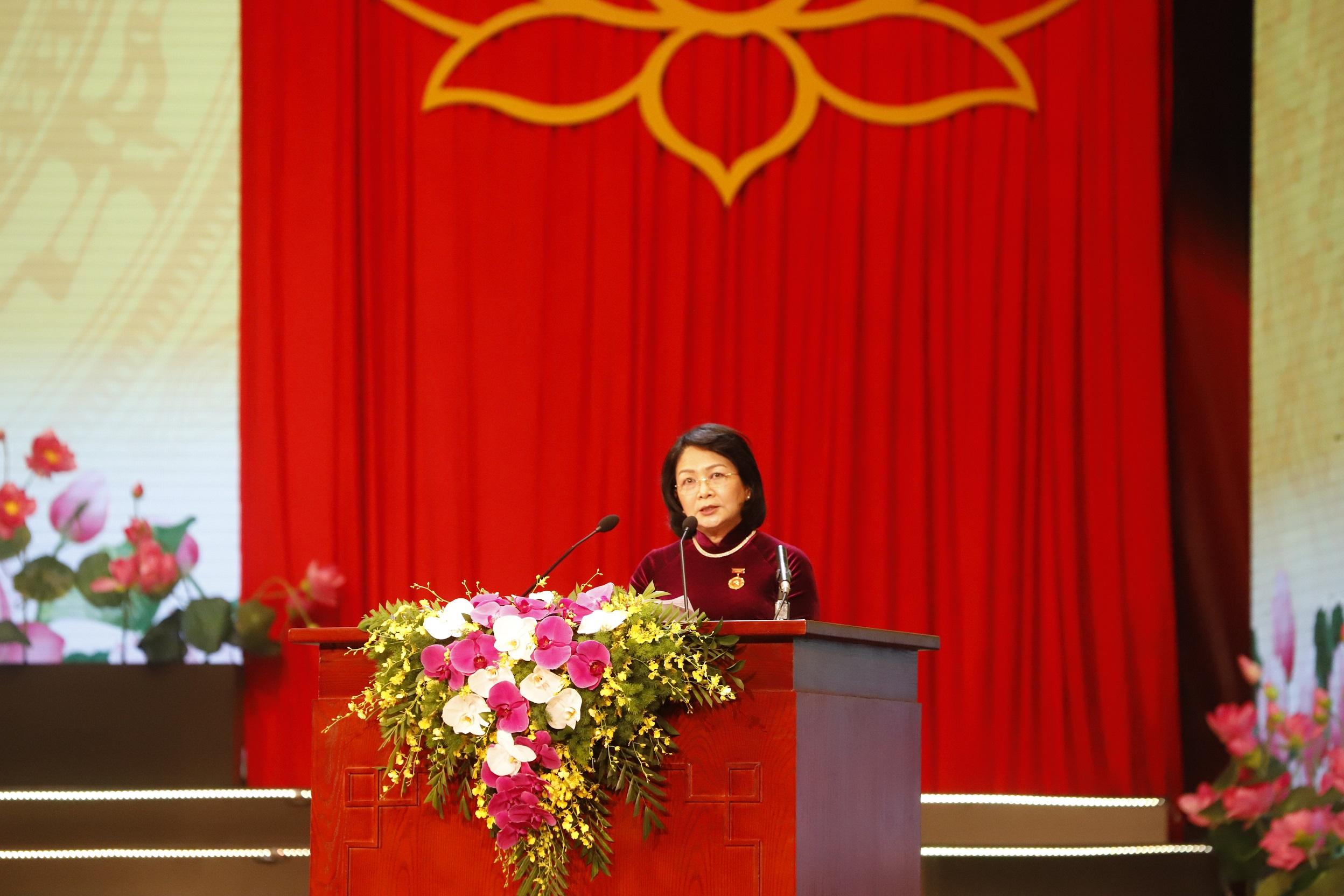 Phó Chủ tịch Nước Đặng Thị Ngọc Thịnh, Phó Chủ tịch Thứ Nhất Hội đồng Thi đua Khen thưởng Trung ương, Trưởng Ban Tổ chức Đại hội Báo cáo Tổng kết phong trào thi đua yêu nước và công tác khen thưởng 5 năm (2016-2020).