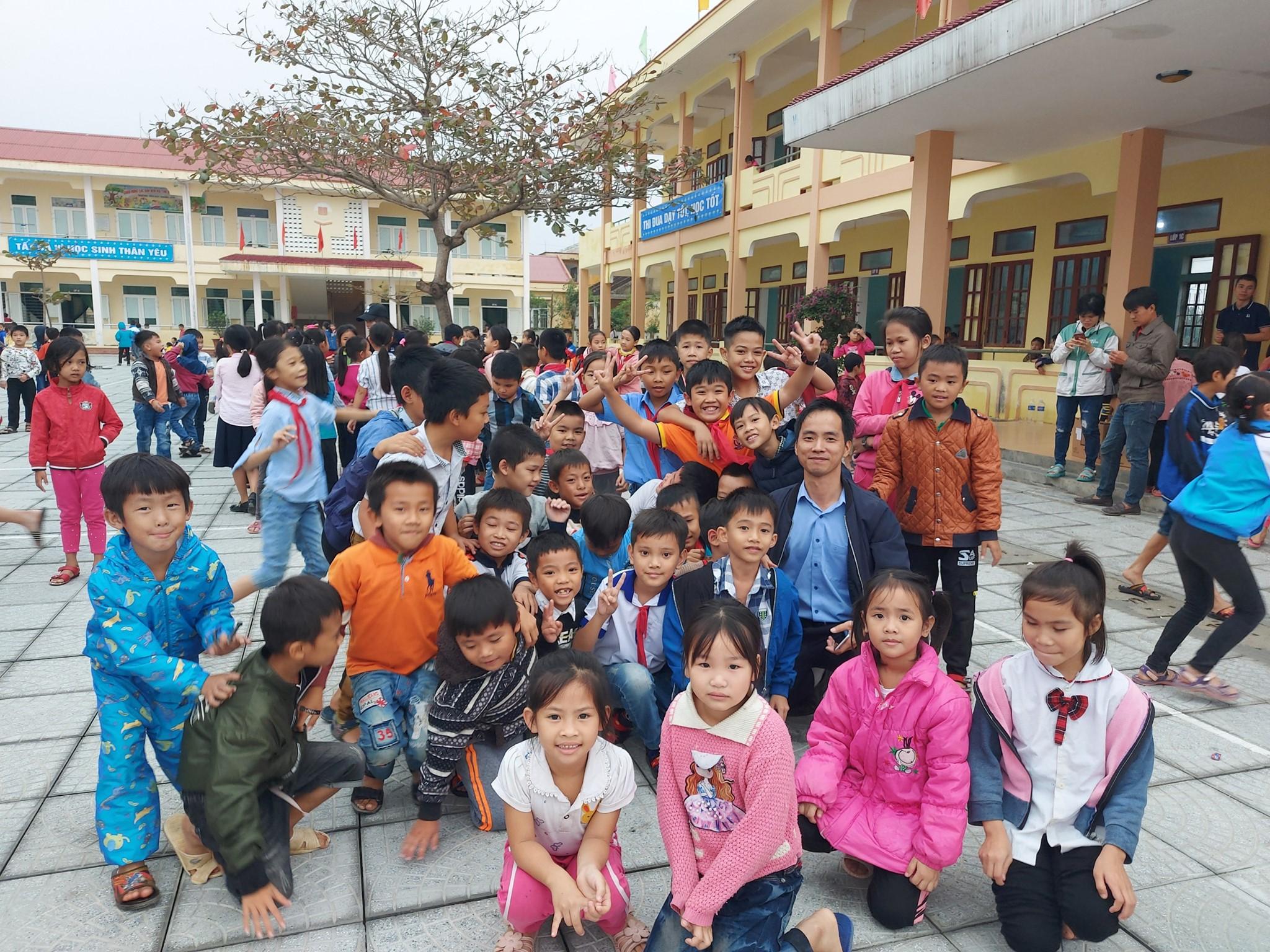 Trẻ em ở Hà Giang nhận được điều kiện học tập tốt nhất trong mùa lạnh