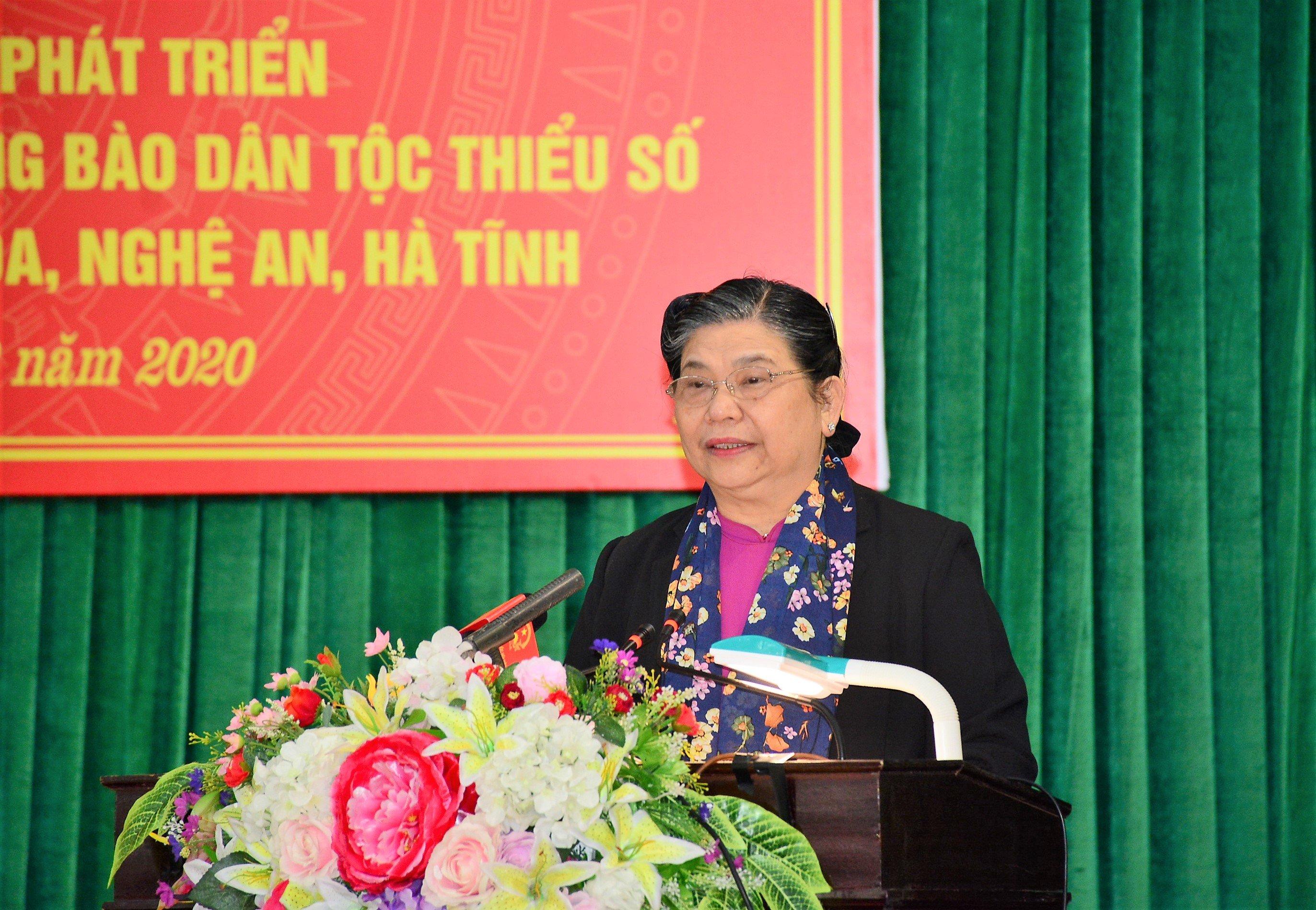 Đồng chí Tòng Thị Phóng, Ủy viên Bộ chính trị, Phó Chủ tịch thường trực Quốc hội phát biểu chỉ đạo Hội thảo