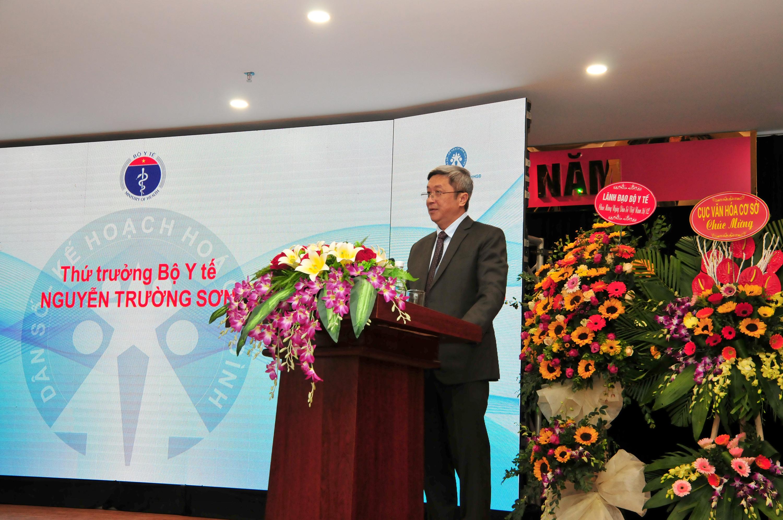 Thứ trưởng Bộ Y tế Nguyễn Trường Sơn phát biểu chỉ đạo tại Hội thảo