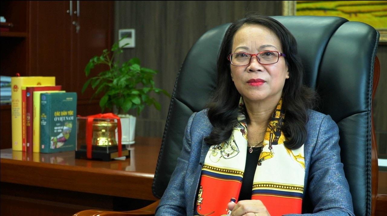 Thứ trưởng, Phó Chủ nhiệm Ủy ban Dân tộc (UBDT) Hoàng Thị Hạnh, Phó Trưởng Ban Thường trực Ban Chỉ đạo Lễ Tuyên dương lần thứ 8..