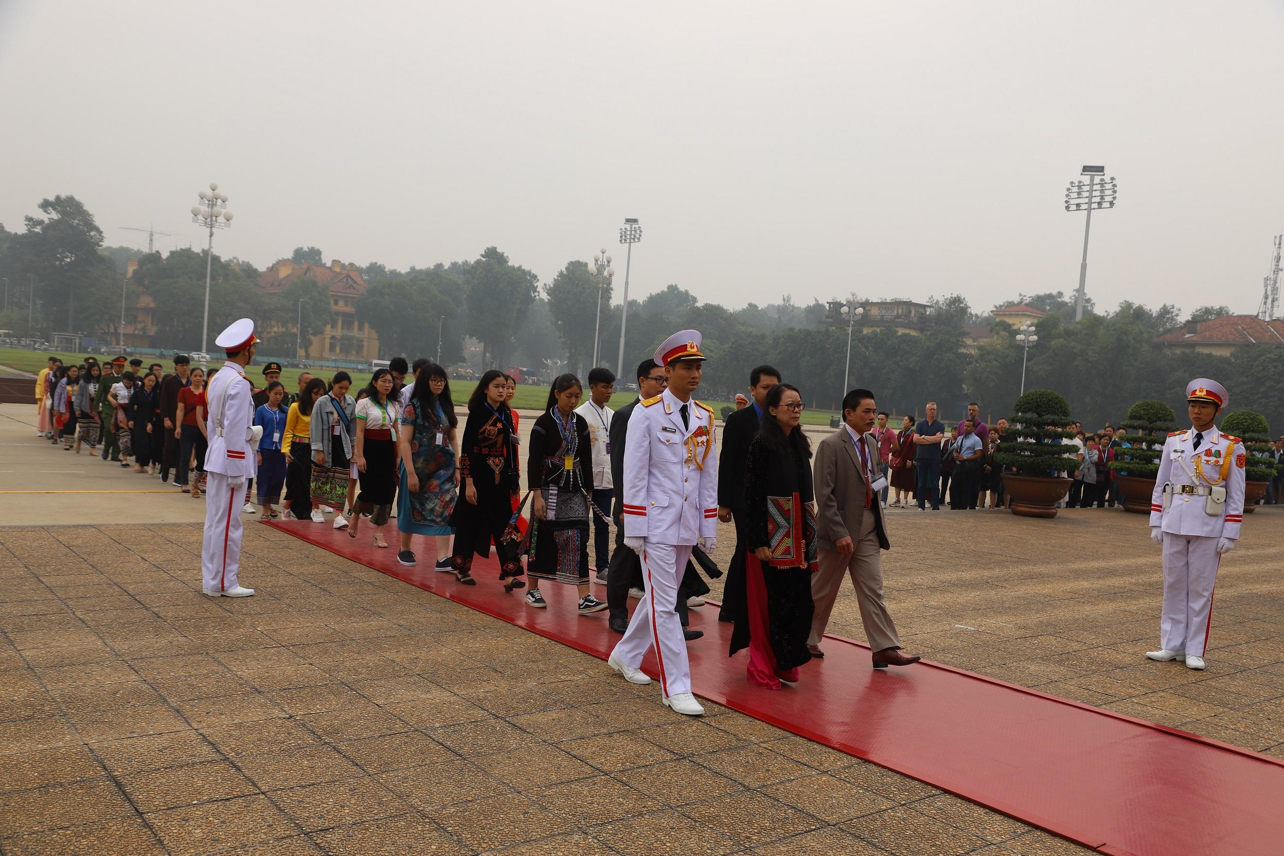 Ban Tổ chức Lễ Tuyên dương và Đoàn học sinh, sinh viên, thanh niên DTTS xuất sắc, tiêu biểu báo công dâng Bác trước Lăng Chủ tịch Hồ Chí Minh (năm 2019).