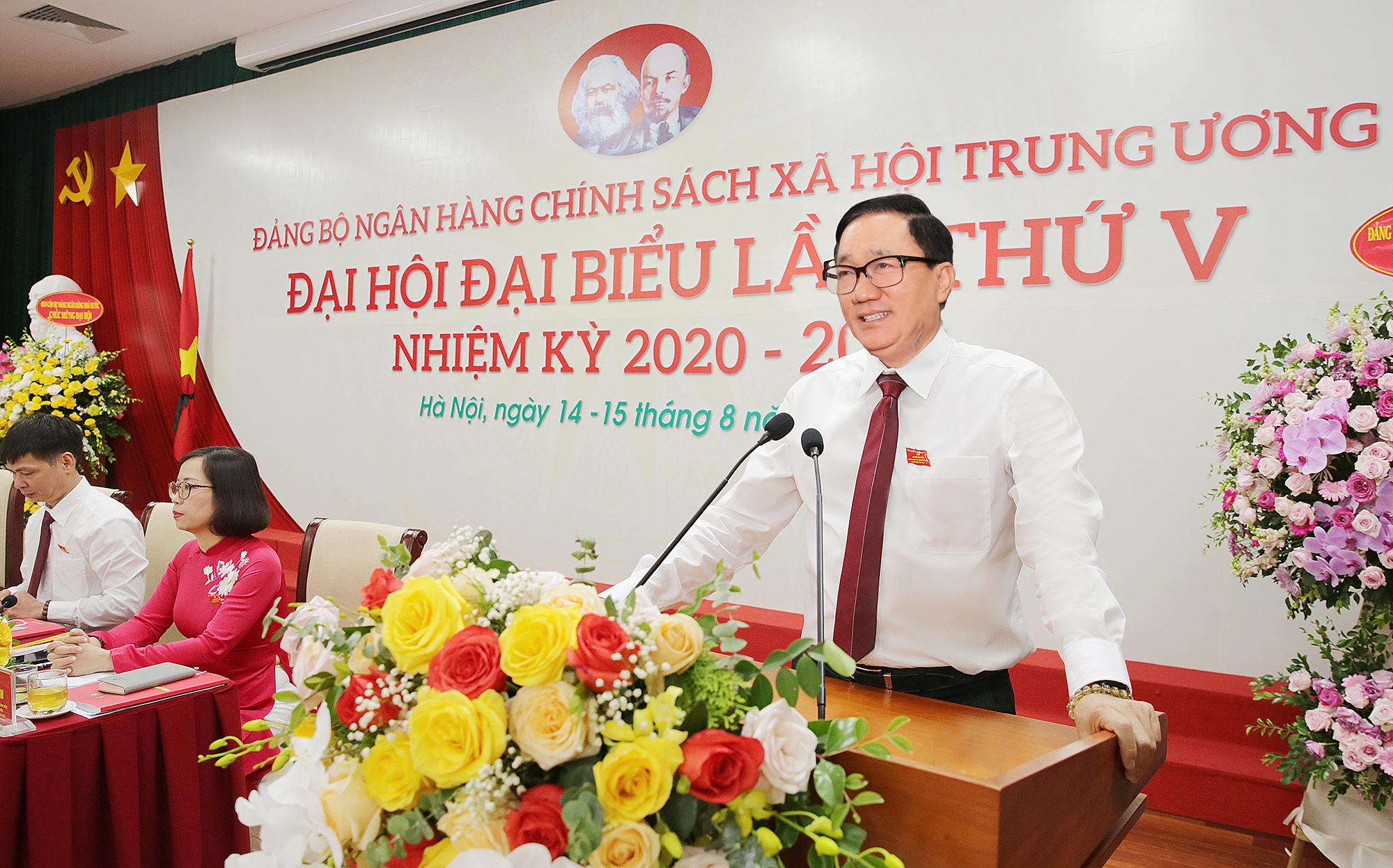 Đồng chí Dương Quyết Thắng, Bí thư Đảng ủy, Tổng Giám đốc NHCSXH Trung ương phát biểu khai mạc Đại hội