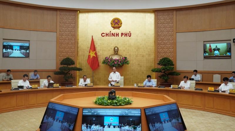 Thủ tướng chủ trì hội nghị trực tuyến toàn quốc chống Covid-19. Ảnh: VGP/Quang Hiếu