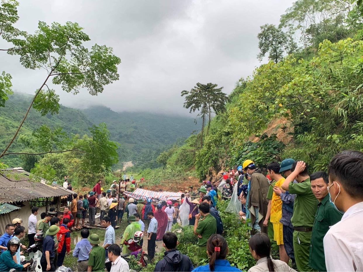 Các lực lượng chức năng của Lào Cai khẩn trương tìm kiếm các nạn nhân và khắc phục hậu quả mưa lũ