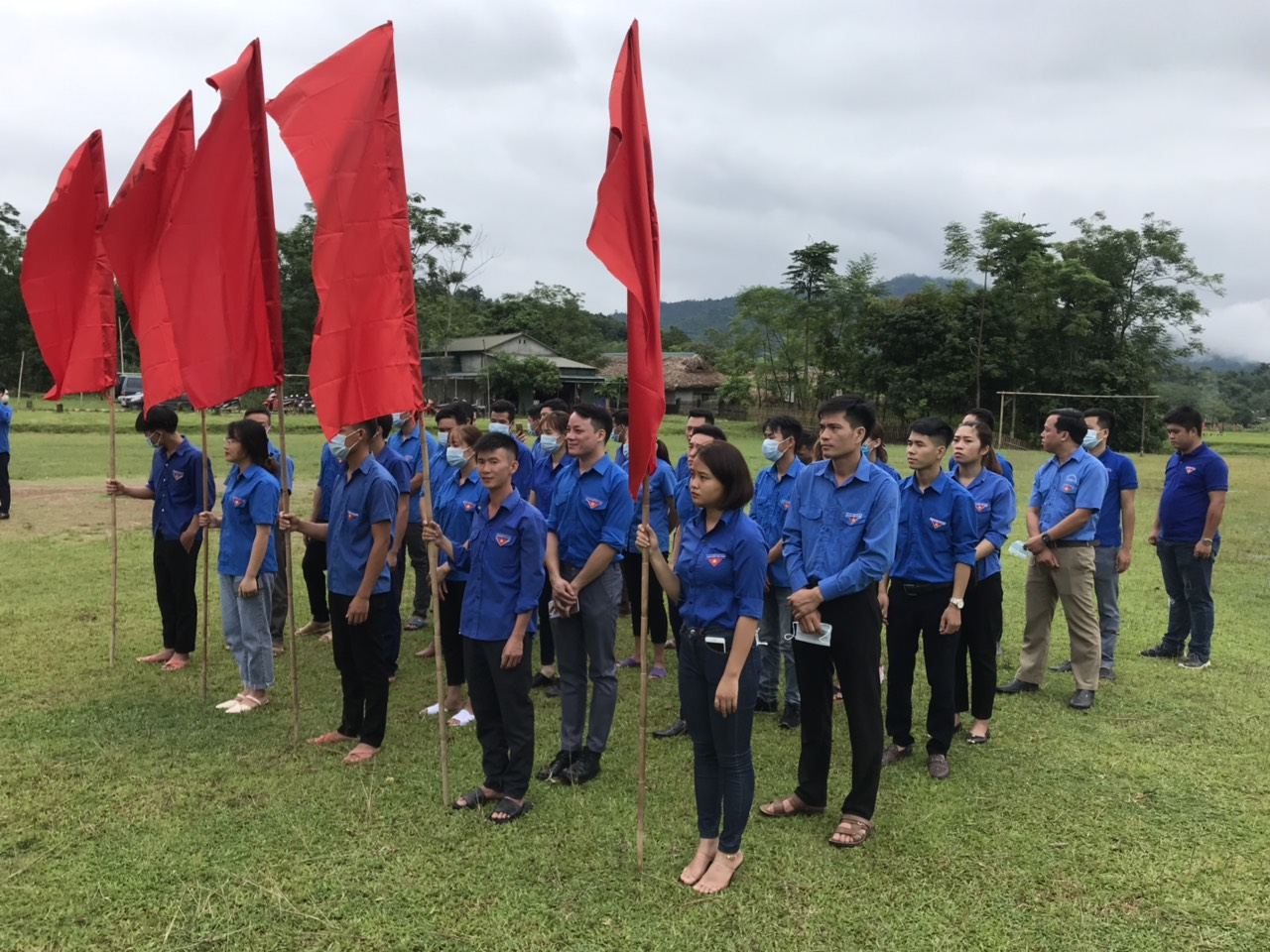 Đoàn viên thanh niên tham gia lễ phát động