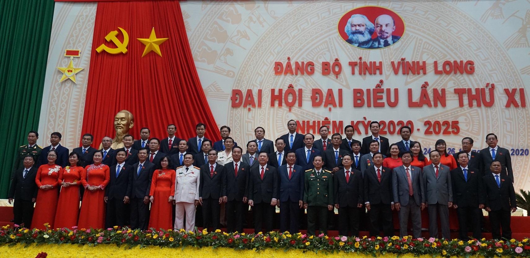 Ban Chấp hành Đảng bộ tỉnh Vĩnh Long nhiệm kỳ 2020 – 2025 ra mắt Đại hội