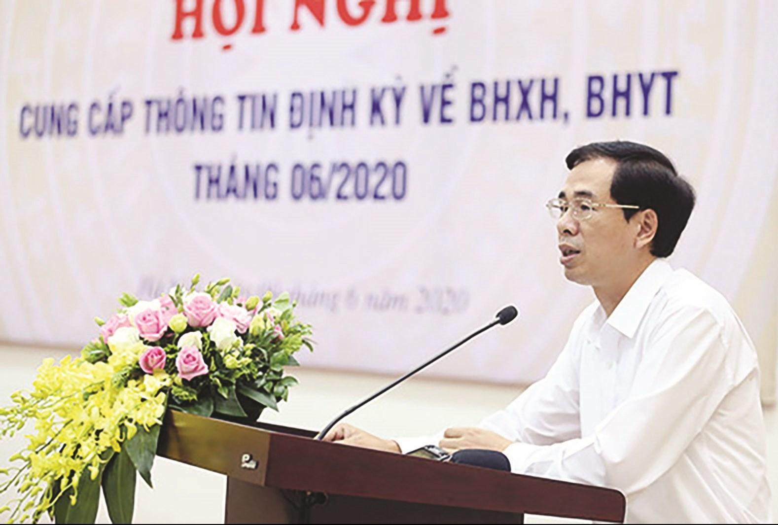 Ông Đào Việt Ánh, Phó Tổng Giám đốc BHXH Việt Nam phát biểu tại Hội nghị cung cấp thông tin định kỳ về BHXH