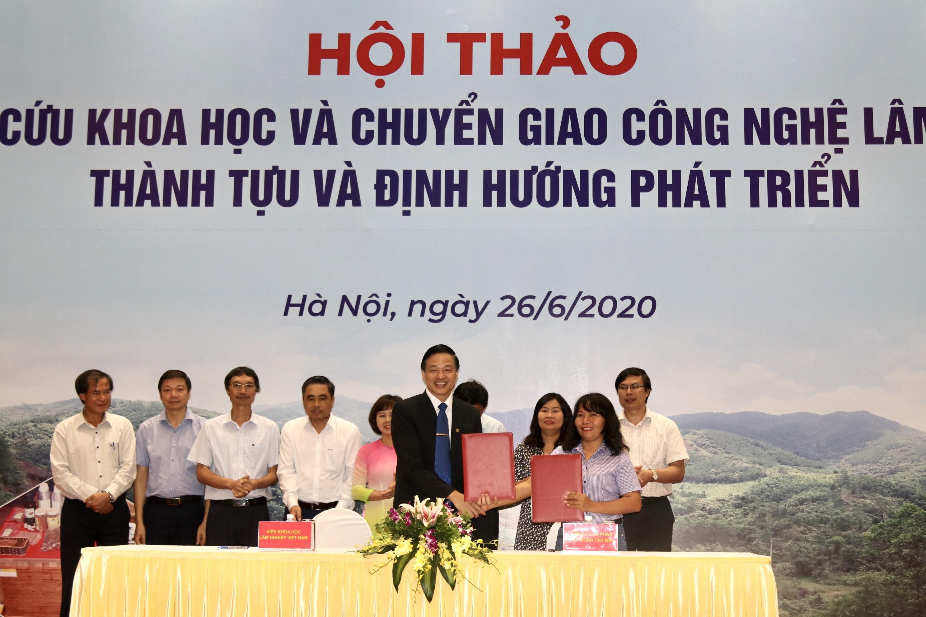 Viên Khoa học Công nghệ Việt Nam đã ký kết hợp tác với Tập đoàn Tân Mai để nghiên cứu khoa học và chuyển giao công nghệ lâm nghiệp.