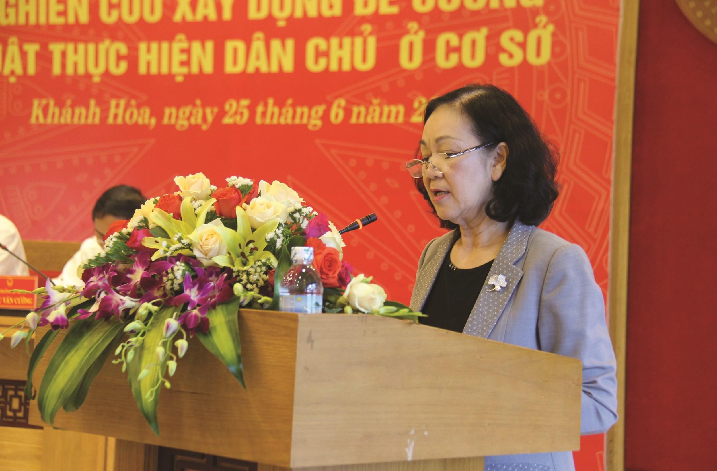 Trưởng Ban Dân vận Trung ương Trương Thị Mai phát biểu tại Hội thảo.