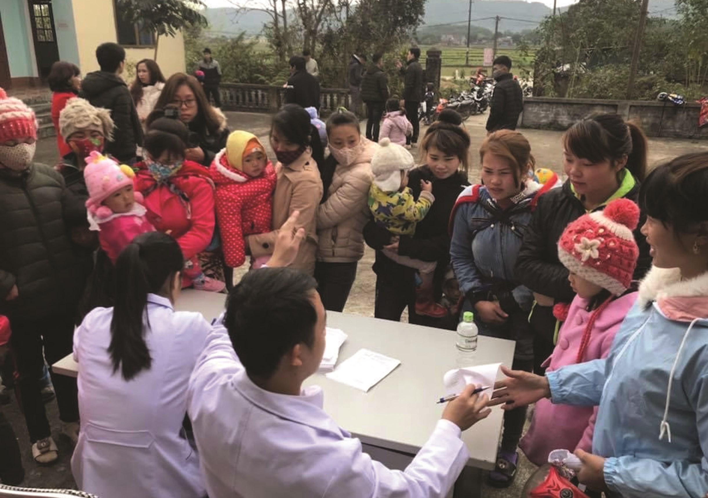 Các đoàn khám, chữa bệnh lưu động được triển khai 3 tháng/lần tại các xã vùng khó