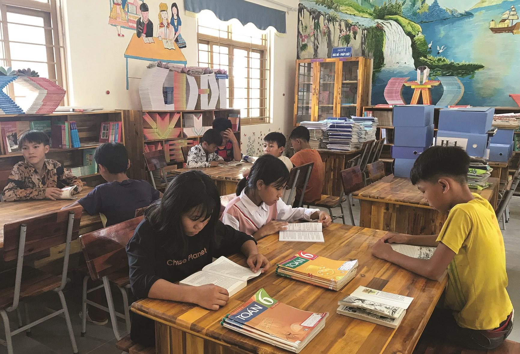 Thư viện đã tạo được thói quen đọc sách cho các em học sinh DTTS tại Trường PTDTBT THCS xã Nậm Chà, huyện Nậm Nhùn (Lai Châu)