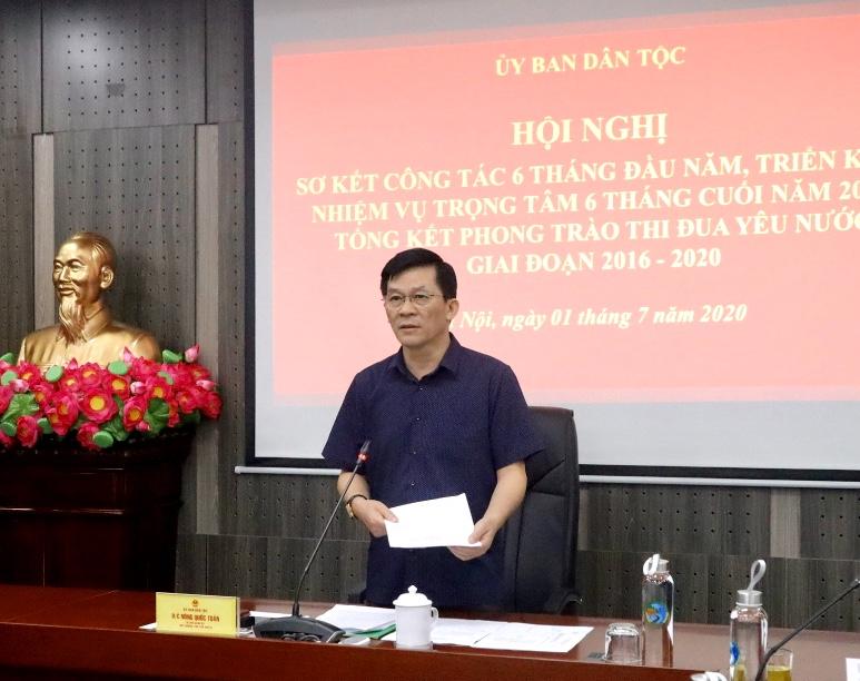 Thứ trưởng, Phó Chủ nhiệm UBDT Nông Quốc Tuấn phát biểu chỉ đạo tại Hội nghị