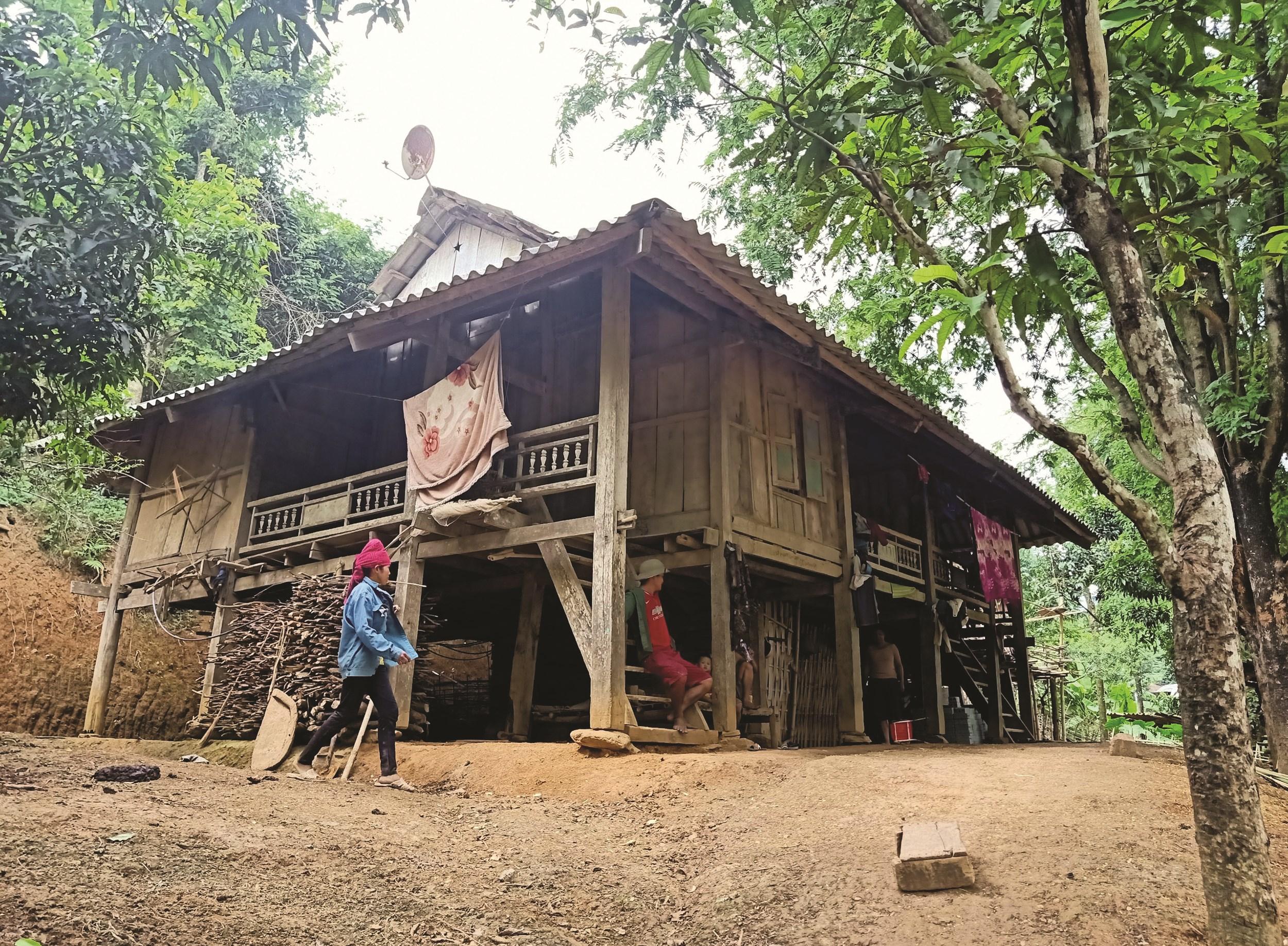 Cuộc sống khó khăn, kéo theo những giá trị văn hóa truyền thống của dân tộc Xinh Mun ở Chiềng Sơ đang dần bị mai một.