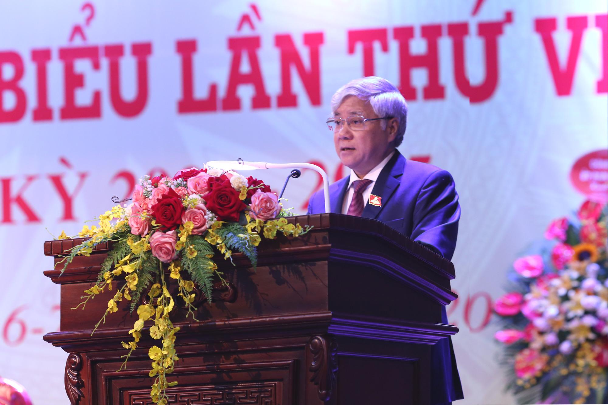 Bộ trưởng, Chủ nhiệm UBDT Đỗ Văn Chiến phát biểu tại Đại hội.
