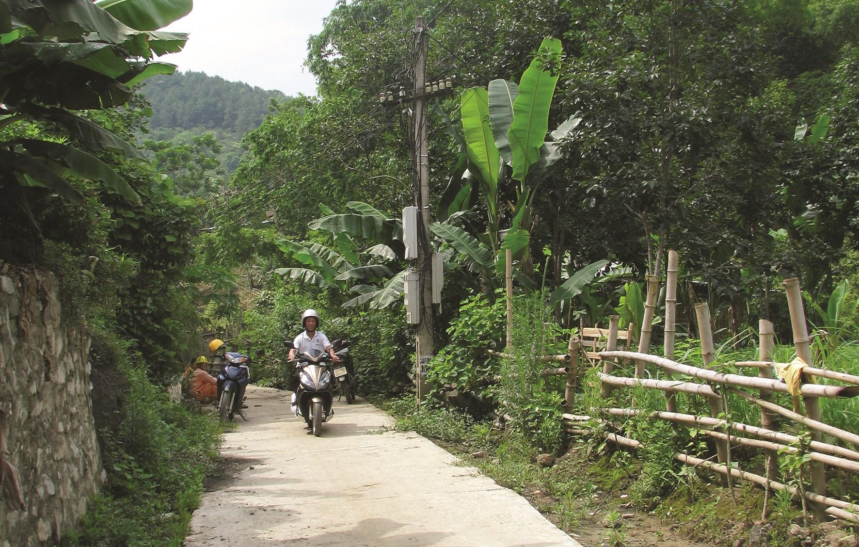 Đường giao thông làm từ nguồn vốn CT135 ở xã Địa Linh, huyện Ba Bể.