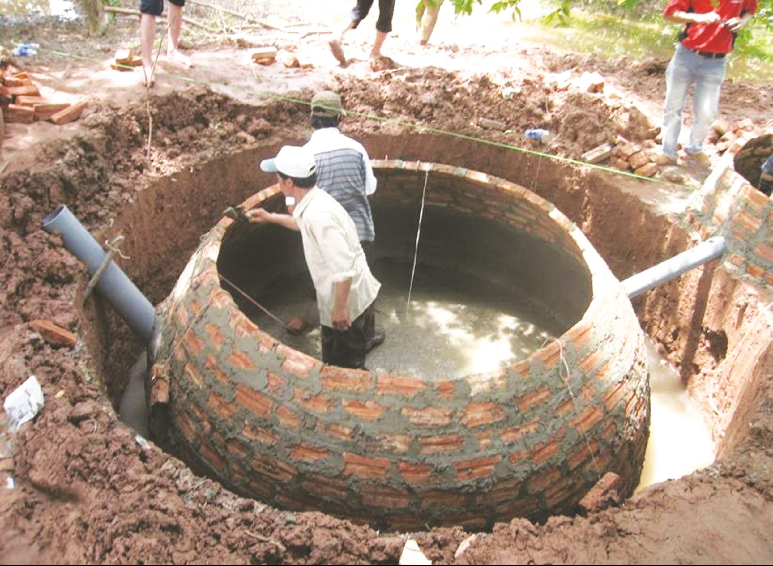 Mô hình hầm Biogas được các hộ chăn nuôi áp dụng tại nhiều địa phương trên địa bàn tỉnh.