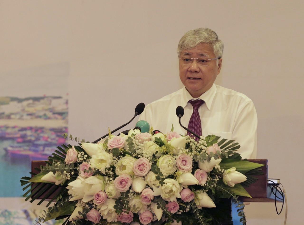 Bộ trưởng, Chủ nhiệm UBDT Đỗ Văn Chiến phát biểu tại Hội nghị.