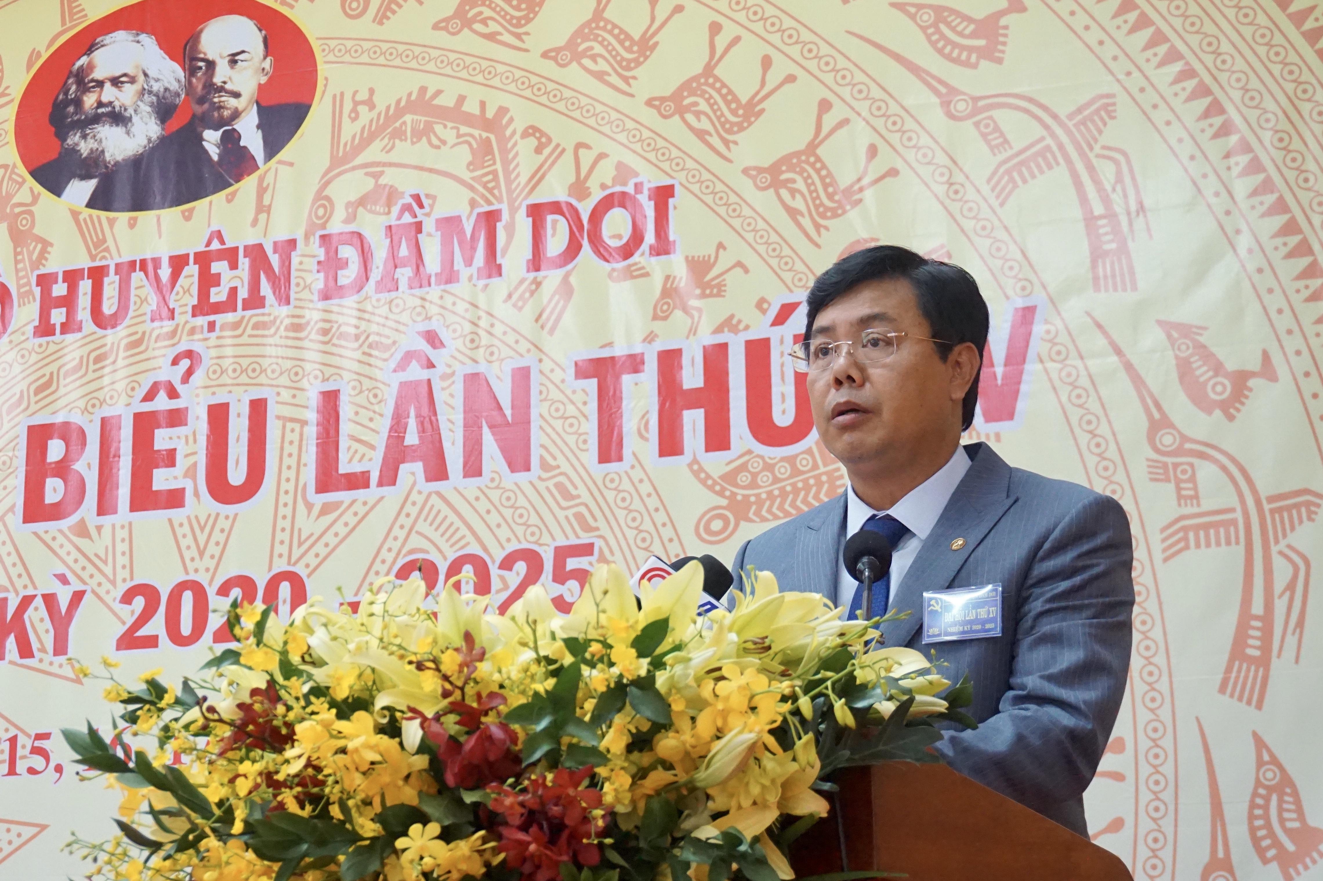 Đồng chí Nguyễn Tiến Hải, Bí thư Tỉnh ủy, Chủ tịch UBND tỉnh Cà Mau phát biểu chỉ đạo Đại hội