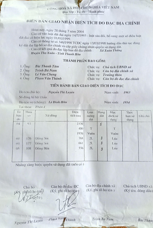 Biên bản giao nhận diện tích đo đạc địa chính năm 2004 của gia đình bà Nguyễn Thị Luyến