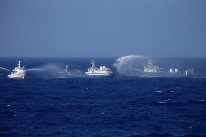 Trung Quốc thường sử dụng tàu cá hoặc tàu hải cảnh, hải giám để tấn công các tàu, thuyền của các quốc gia láng giềng trên Biển Đông. Ảnh:Getty