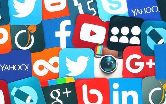 Cần có sự kiểm soát chặt chẽ thông tin xuyên tạc, bóp méo sự thật này lan truyền trên mạng xã hội. Ảnh: tuyengiao.vn