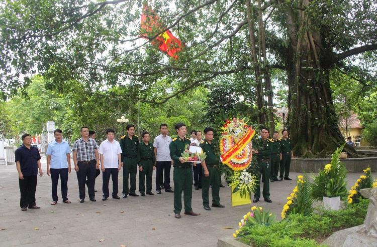 Hội Cựu chiến binh cơ quan UBDT dâng hoa, tri ân các Anh hùng liệt sỹ tại Di tích lịch sử địa điểm công bố ngày Thương binh-Liệt sĩ toàn quốc