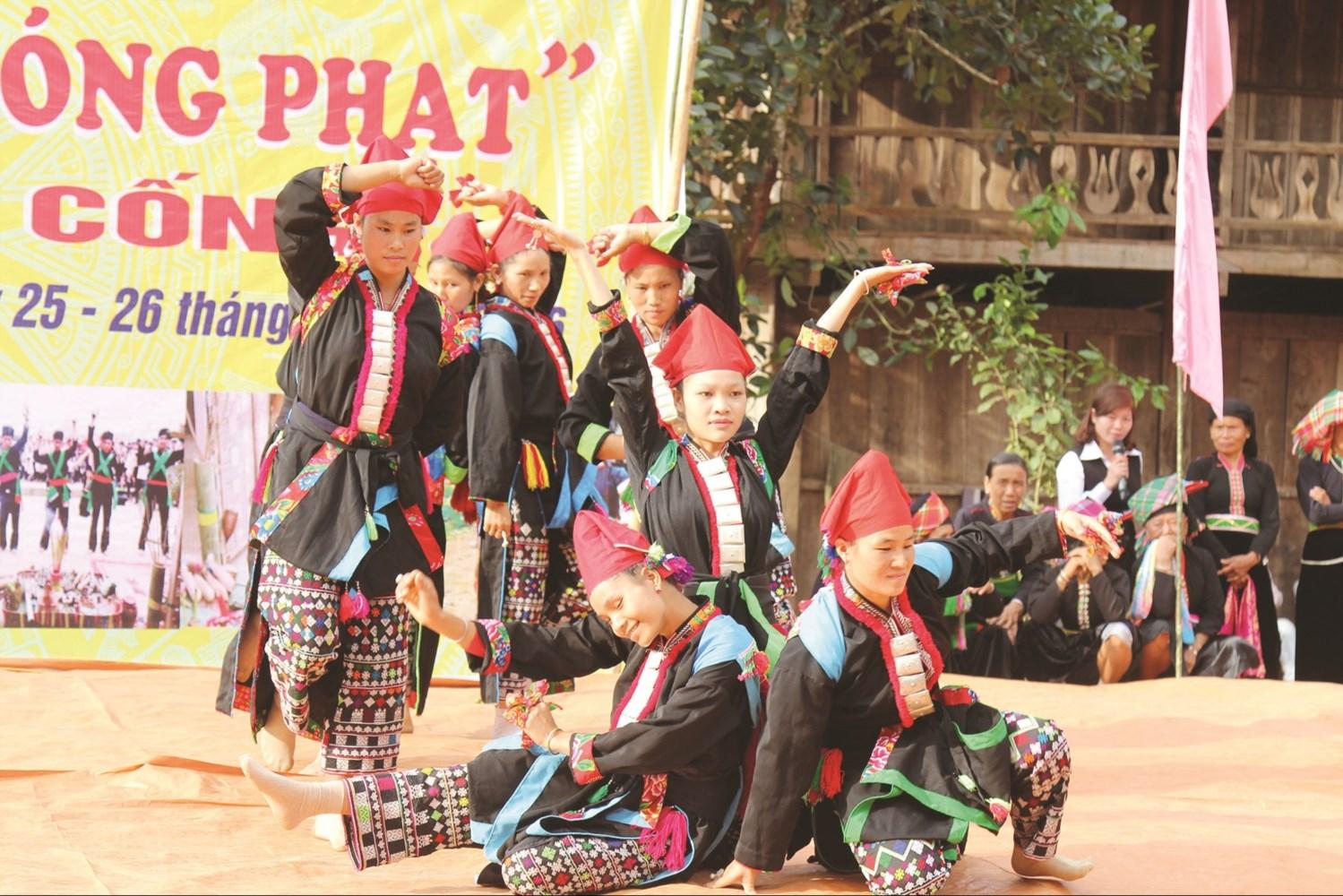Huyện Nậm Nhùn (Lai Châu) tổ chức nhiều hoạt động giữ gìn bản sắc văn hóa của các dân tộc thông qua các Lễ hội